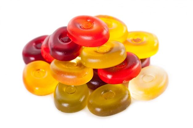 Helle süßigkeiten lokalisiert auf einem weiß