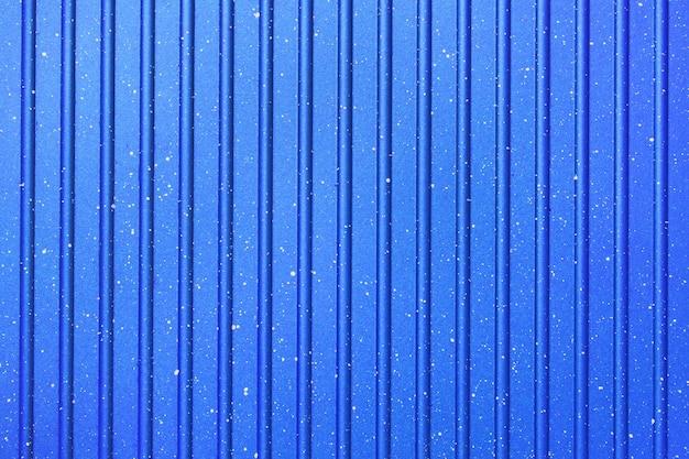 Heller abstrakter hintergrund der blauen farbe. geriffelte textur. hintergrund.
