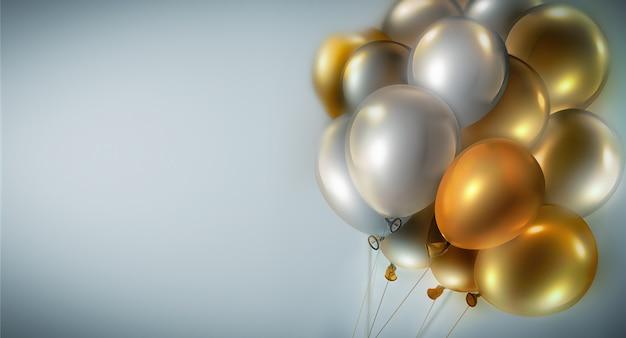 Heller festlicher hintergrund mit hellen gold- und silberballons, 3d-bild