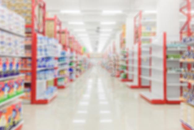 Hellholz der perspektive über unschärfe im supermarkt.