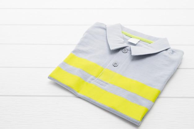 Hemd und kleidung