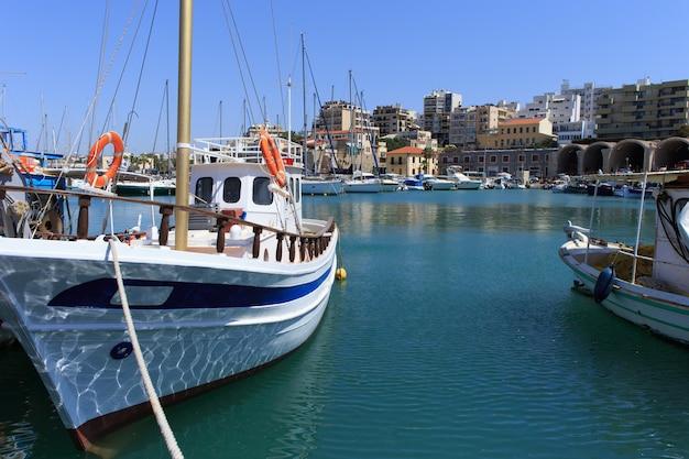 Heraklion hafen und venezianischer hafen auf der insel kreta