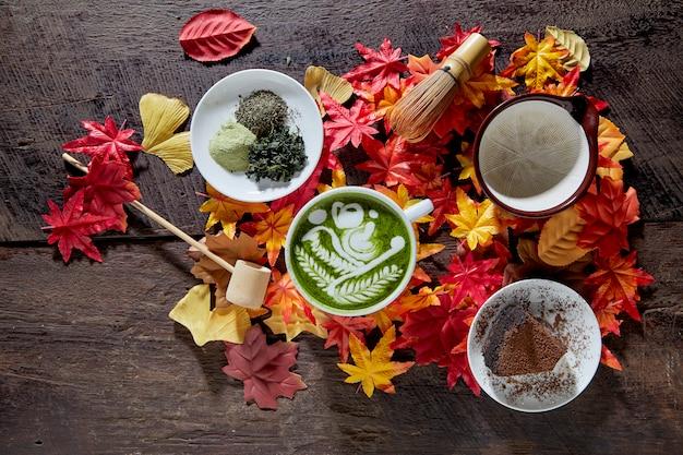 Herbst, matcha grüner tee tasse aus holz