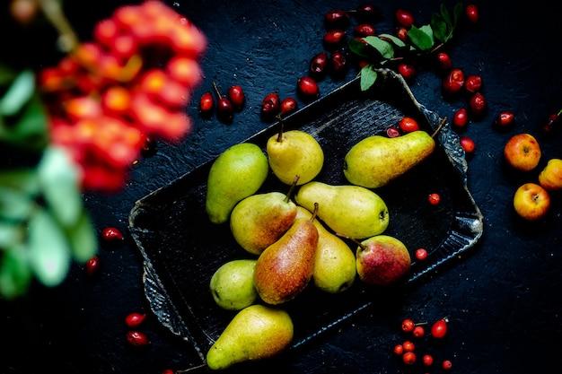 Herbsternte hausgemachtes gemüse und obst bio-anbau