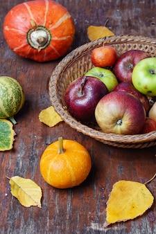Herbsternte kürbisse