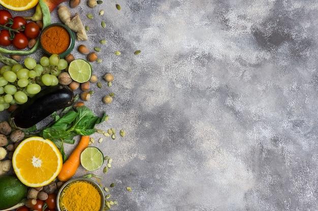 Herbstgemüse und -obst. gesundes saisonales essen