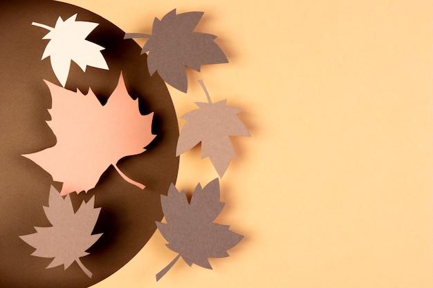 Herbstkomposition im papierstil