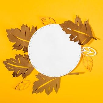 Herbstliche zusammensetzung des papiers