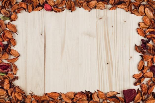 Herbstlicher rahmen leer zum schreiben