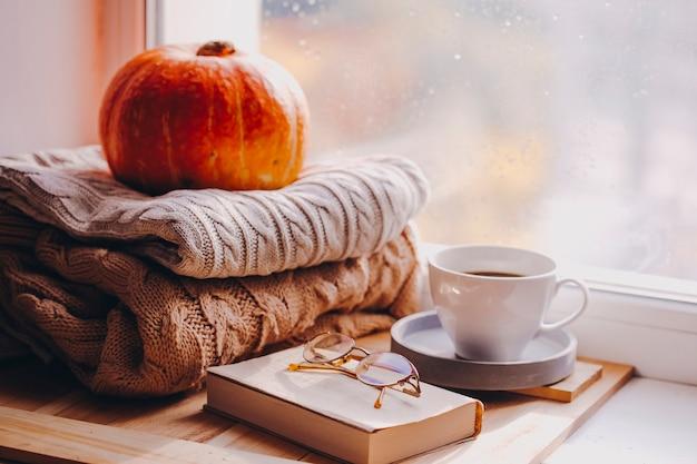 Herbstmorgen gemütliches zuhause warm kariert