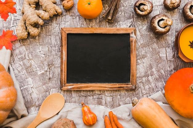 Herbstsymbole um tafel
