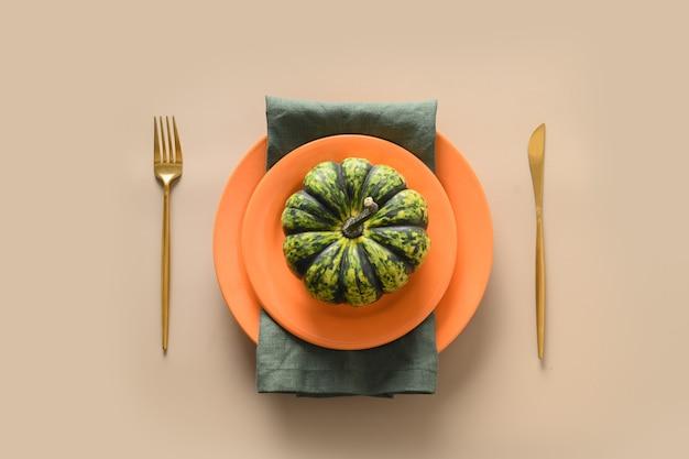 Herbsttischdekoration dekoriert herbsternte für erntedankfest