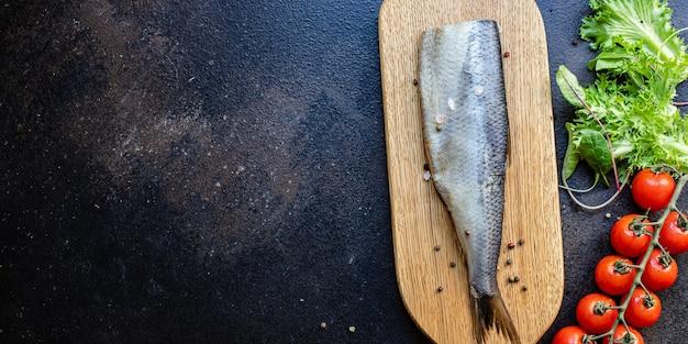 Heringsalat stück scheibe zwiebel snack meeresfrüchte fisch