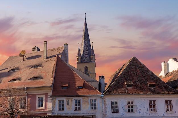 Hermannstadt, rumänien. evangelische kathedrale im zentrum von sibiu, siebenbürgen