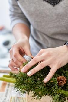 Hersteller von weihnachtsdekor mit eigenen händen