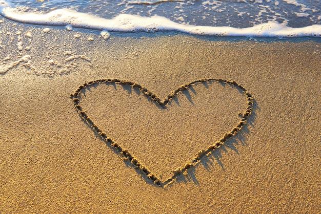 Herz auf dem sand