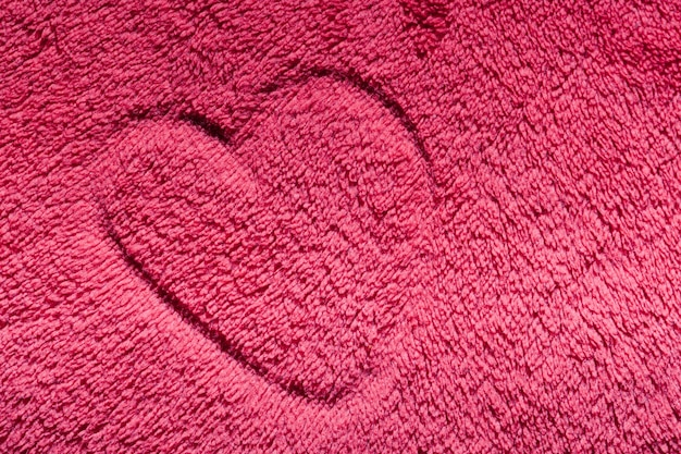 Herz auf einem teppich gezogen