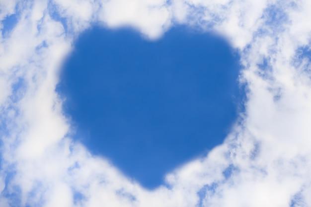 Herz aus der wolke