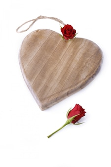 Herz aus holz und rosen