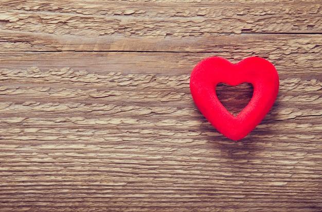 Herz aus rotem samt