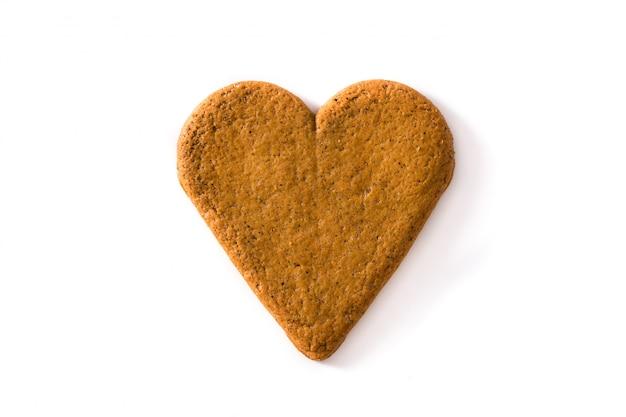 Herzförmige cookie isoliert auf weißem hintergrund valentinstag und muttertag konzept.