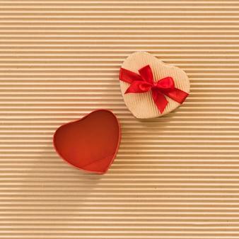 Herzförmige geschenkbox