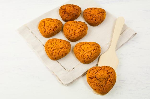 Herzförmige hausgemachte kekse