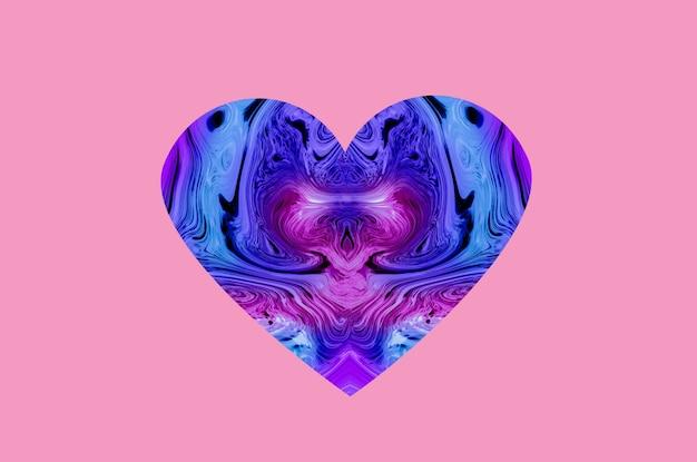 Herzförmiger marmor auf rosa hintergrund zum valentinstag