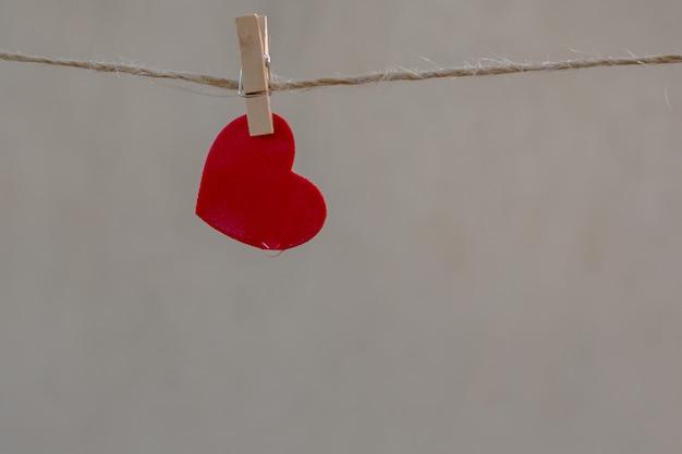 Herzform auf der wäscheleine