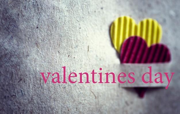 Herzform valentinstag papierhintergrund