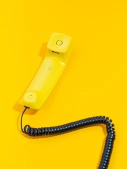 High angle altes telefon