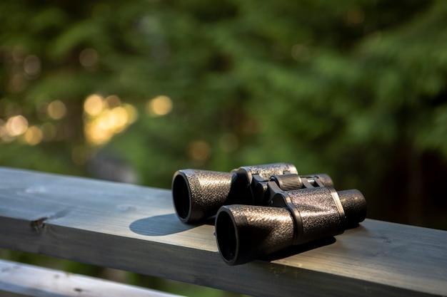 High angle binocular an bord