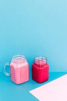 High angle cups mit smoothies