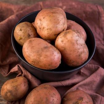 High angle kartoffel anordnung auf stoff