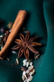 High angle natürliche und gesunde kräuter für tee
