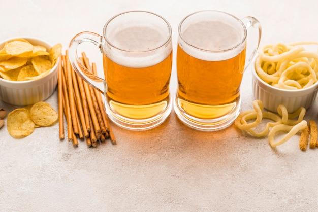 High angle snacks und bier arrangement