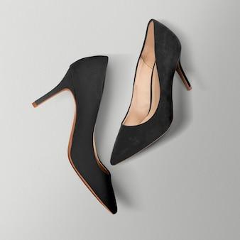High heels aus schwarzem samt