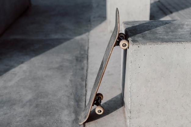 High view skateboard in einem park