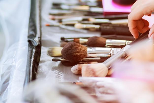 Hilfsmittel der kosmetikbürsten-make-upzubehörs