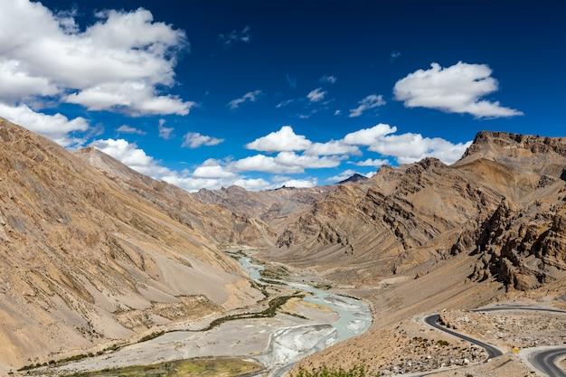 Himalaya-landschaft im himalaya