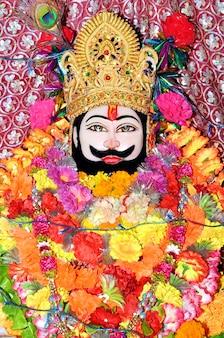 Hindu-tempel des gottes khatu shyam in rajasthan, indien. khatu shyam ist ein name und eine manifestation von barbareek, enkel von bhim und hidimba in mahabharata