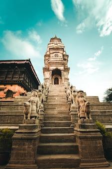 Hinduistischer tempel auf bhaktapur durbar square, nepal