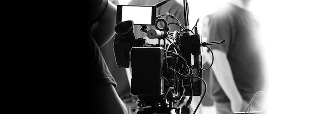 Hinter den kulissen der videoaufnahme oder des filmens von online-filmen mit einer hochauflösenden 8k-digitalkamera