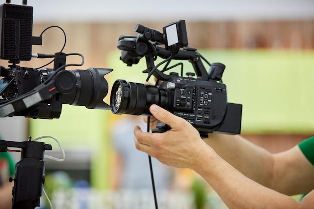 Hinter den kulissen der videoproduktion oder videoaufnahme das konzept der produktion von videoinhalten für tv, shows, filme