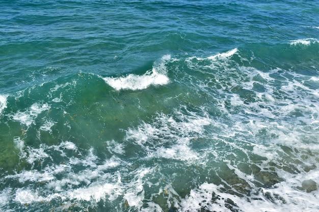 Hintergrund, blaues klares meerwasser