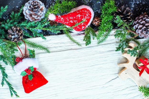 Hintergrund der frohen weihnachten und des guten rutsch ins neue jahr. weihnachtsrabatt in der wintersaison am zweiten weihnachtsfeiertag. einkaufen am jahresende.