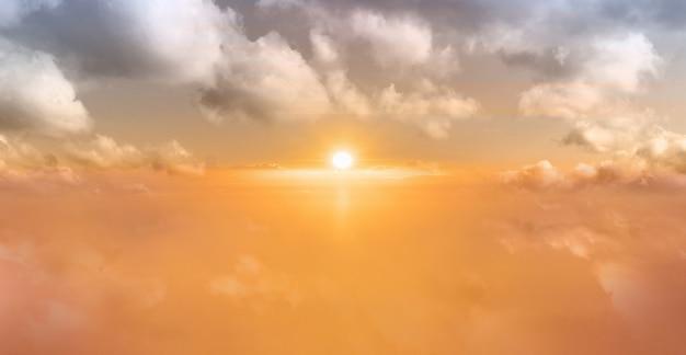 Hintergrund des sonnenaufgangshimmels