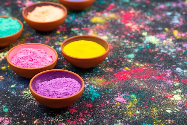 Hintergrund mit gulalpigmenten für das holi-fest der farben