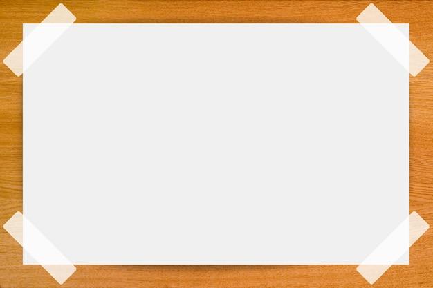 Hintergrund von leerer seite des papiers auf holz