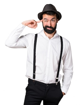Hipster mann mit bart macht verrückte geste